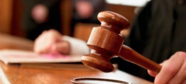 MULTA CONTRATUAL EXCESSIVA: Multa excessiva em cláusula penal de contrato deve ser reduzida, não declarada nula