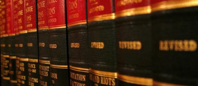 Atestado de pena a cumprir anual. Direito constitucional à obtenção de certidões
